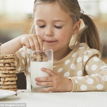 Kakšno prehrano za otroke svetujejo strokovnjaki?