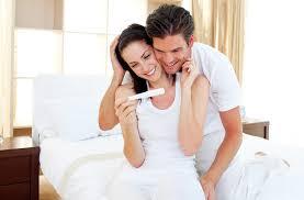 Kakšni so prvi znaki nosečnosti in kdaj narediti nosečniški test?