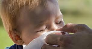 Kako pomagamo našemu otroku pri prehladu in nahodu?